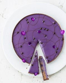 Chocolate blueberry frangipane tart 🦄 Recipe in my upcoming e-book 💜  .  .  .  #noartificialcolors #blueberrytart #majavase #feedfeed #beautifulcuisines #f52grams #chocolatefrangipanetart #frangipanetart