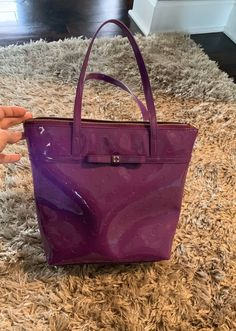 """Bag: 10""""x12""""  Strap: 6""""  Excellent condition shows normal wear on the bottom 4 corner see pic for detail Kate Spade Totes, Kate Spade Tote Bag, Zip, Tote Bags, How To Wear, Corner, Detail, Tote Bag, Totes"""