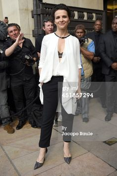 News Photo : Juliette Binoche arrives at Giorgio Armani Prive...