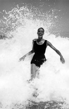 Photo Franco Rubartelli, 1968, Veruschka splashing in the ocean, American Vogue, Brazil.