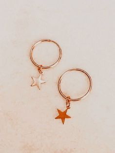 Hand Jewelry, Trendy Jewelry, Summer Jewelry, Cute Jewelry, Jewelry Accessories, Cute Preppy Outfits, Peach Aesthetic, Neue Outfits, Charms