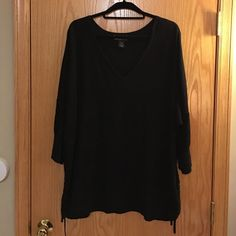 Lane Bryant 3/4 length Sweater. Size 26/28 Great condition. 100% cotton Lane Bryant Sweater with gathered sides, very cute. Size 26/28. Color black Lane Bryant Sweaters Crew & Scoop Necks