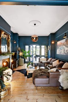 43 Cozy And Relaxing Living Room Design Ideas. Living room is a fundamental part of the house where we gather with our family. In that room we can […] Dark Living Rooms, Living Etc, Living Room Modern, My Living Room, Living Room Interior, Home And Living, Living Room Designs, Blue And Copper Living Room, Copper Living Room Decor