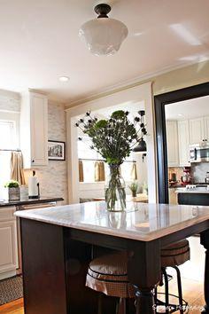 kitchen-island.jpg 512×768 pixels