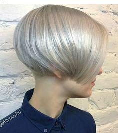 Ice-Blonde-Hair Haircut Styles for Short Hair Short Hair With Bangs, Short Hair With Layers, Cute Hairstyles For Short Hair, Short Hair Cuts, Short Hair Styles, Short Wedge Hairstyles, Undercut Hairstyles, Pixie Hairstyles, Layered Hairstyles