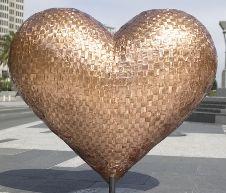 Charles Gadeken heart sculpture ~ Ʀεƥɪииεð вƴ╭•⊰✿ © Ʀσxʌиʌ Ƭʌиʌ ✿⊱•╮