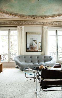 INTERIORS: Wonderful apartment in Paris