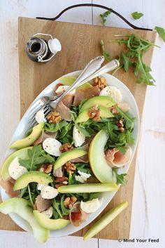 Salade met meloen, rauwe ham en mozzarella - Mind Your Feed