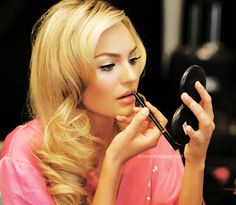 hair + makeup inspiration - love the glamour curls and classic makeup