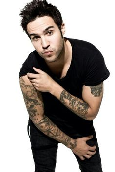 HAPPY BIRTHDAY PETE WENTZ!!!! <3