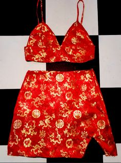 Chinese oriental prints are beautiful. They are the classic badass and we aren't happy that the world isn't seeing much of our culture's beautiful fabric in this modern fashion era. Mama always say if you don't like something, you need to make a change! AND SO... O'Mighty created a whole line of oriental styles! #OMIGHTY is extremely happy to be able to share the beauty of our very own Chinese culture with the WORLD all the way from tiny little Singapore! We are proud to be able to see…