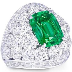 Should You Buy Fine Jewelry From Online Jewelry Stores? – Fine Jewelry Tips & Tricks Graff Jewelry, Emerald Jewelry, High Jewelry, Jewelry Rings, Silver Jewelry, Emerald Rings, Luxury Jewelry, Diamond Rings, Baubles And Beads