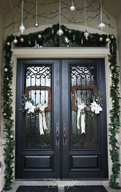 Christmas Porch and Front Door Garland DIY ~ I LOVE the hanging ornaments and the SQUARE wreaths!
