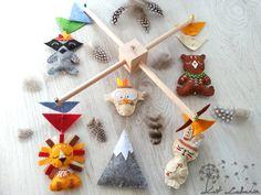 Böhmische Baby Mobile, Woodland hängen, Mobile, Tribal Tiere, Indianer, Baby-Dusche-Geschenk, Kinderzimmer Dekoration, Waschbär, Berg