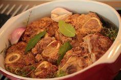 Pomaly pečené mäsá a zaujímavé zeleninové prílohy / diviak, teľacie ossobuco, bravčové kolienka/   Terapia Jedlom - Blog Silvie Horeckej Tamarind, Nigella, Beef, Chicken, Food, Therapy, Meat, Essen, Tamarindo