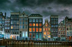 Amsterdam: so many times, i've forgotten... i love walking here.