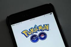 """Entrenador Pokemon es mordido por una serpiente en Texas  Pokemon Go llegó a los teléfonos inteligentes y cientos de historias alrededor de esta aplicación han invadido la red.  Los funcionarios en muchos edificios públicos están tratando de advertir a los jugadores que están cayendo en áreas peligrosas. Al menos dos hospitales del área de Dallas-Fort Worth han pedido a los jugadores de Pokemon - o """"Entrenadores Pokemon"""" como se les llama en el juego - para detener la vagancia alrededor de…"""