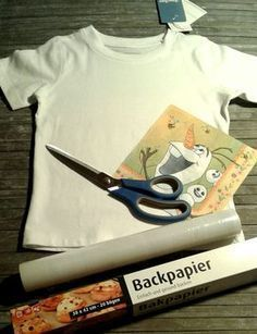 DIY – Aufbügelbild selber machen In this guide I will show you how you can print your own T-shirt with cling film and a napkin. With things you already have at home, you can make your own designer t-s Diy Patches, Iron On Patches, Diy For Kids, Crafts For Kids, Make Your Own, Make It Yourself, Fabric Bags, T Shirt Diy, Diy Clothes