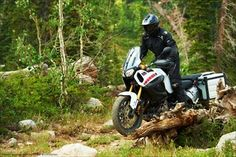 """Since October 2012 the sale was a new model of Yamaha Motorcycles. It is a model for 2013 called """"Super Tenere."""" Excellent performance and a very attractive design make this model very attractive. Let's look at what type of model really works ....."""