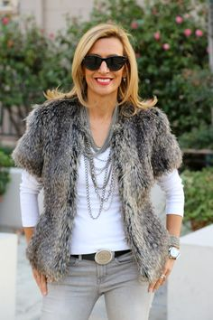 New on the blog www.jacketsociety.com/cozying-up-with-my-faux-fur-jacket/