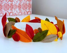 felt leaf crown for autumn. Love this. Could use silk leaves and a paper band.