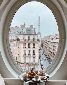 Breakfast time in Paris
