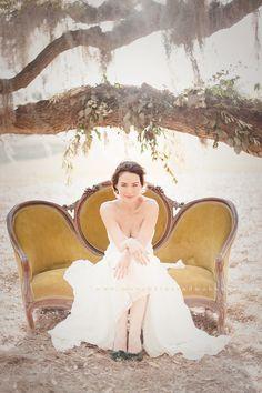 www.munchkinsandmohawks.com    bridal portraits  vintage couch    A Lovely workshop   Elizabeth Messina
