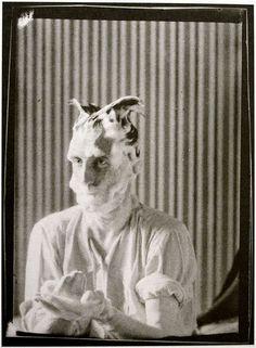 Man Ray - Portrait of Marcel Duchamp, Paris 1921 Lee Miller, Marcel Duchamp, Harlem Renaissance, Photo Portrait, Photo Art, Man Ray Photographie, Hannah Höch, Foto Face, Hans Richter