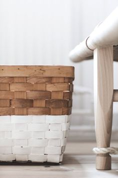 In love with painted baskets Painted Baskets, Diy Inspiration, E Design, Interiores Design, Decoration, Diy Home Decor, Sweet Home, Diy Projects, Diy Crafts