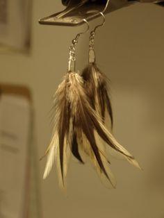 Simple feather earrings DIY