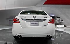 Nissan Altima 2013 Wallpapers