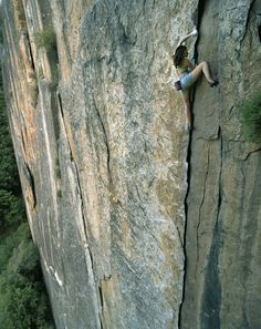 Steph Davis free soloing Outer Limits (5.10c 2 pitches) in Yosemite, California