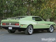 1971 Mustang Mach 1...I must have a car in this color!