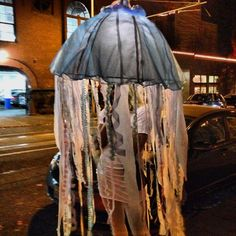 Jellyfish costume. Great idea!