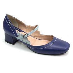 3c4f637c7 Sapatos Retro, Anos Dourados, Armário De Sapatos, Anabela, Calças  Femininas, Sapatos