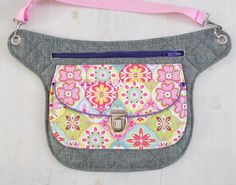 Diabetic Pump, Quilted Bag, Fanny Pack, Purses And Bags, Diy And Crafts, Pumps, Wallet, Sewing, Mini