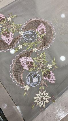 by sıdıka gürkan Herb Embroidery, Cutwork Embroidery, Hand Work Embroidery, Creative Embroidery, Embroidery Monogram, Hand Embroidery Patterns, Machine Embroidery, Fabric Print Design, Bordado Floral