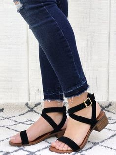 Jordan - Strappy Block Heel Sandals in Black