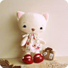 sweet felt kitty