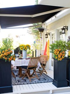 Love this concept with the retractable awning. A great way to dress up your deck!