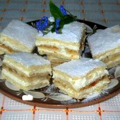 Érdekel a receptje? Hungarian Cake, Hungarian Recipes, Hungarian Food, My Recipes, Sweet Recipes, Cooking Recipes, No Bake Desserts, Dessert Recipes, Homemade Cakes