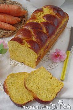 Treccia di pan brioche alle carote - In cucina con Zia Ralù Zia, Dolce, Bread, Food, Brioche, Brot, Essen, Baking, Meals