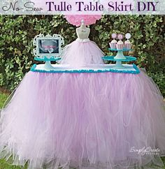 No-sew tulle table skirt DIY! #diy #tutu #tableskirt