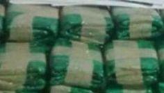 Chocó contra una camioneta, se bajó, corrió y dejó abandonado 1.500 kilos de hojas de coca: El insólito hecho se dio en el puente de Río…
