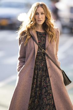 Carrie Bradshaw Would Not Approve of Sarah Jessica Parker's Wardrobe in 'Divorce'