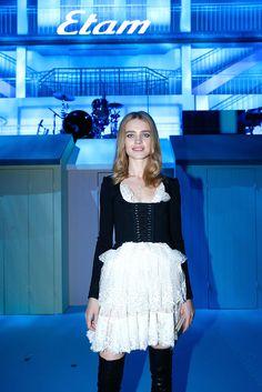 Natalia Vodianiva apuesta por un ¿fancy dress? para inaugurar el calendario de fiestas y desfiles en París #modelos