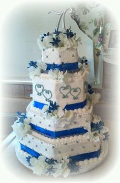Tiered octagon wedding cake!