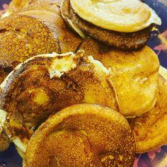 И ведь получилось))))) ——- Смотрите предыдущий пост))) —— #настроение #самоизоляция #мужчиныготовят #блинчики #шутка #юмор #моясемья #сидимдома #мужчиныжгут #банановыеблинчики French Toast, Breakfast, Food, Meal, Eten, Meals, Morning Breakfast