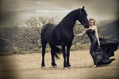Horse Photography - Taking pictures of horses provide a lot of opportunities for great photography. Cow Girl, Cow Boys, Horse Girl Photography, Equine Photography, Animal Photography, Black Horses, Wild Horses, Horse Photos, Horse Pictures