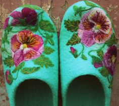 "Felted House Shoes, Indoor Slippers, 100% Wool, Needle Felted, ""Rosabelverde"""